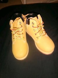 Boys youth size 9 boots