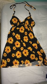 sun flower dress with a back opening Reston, 20191