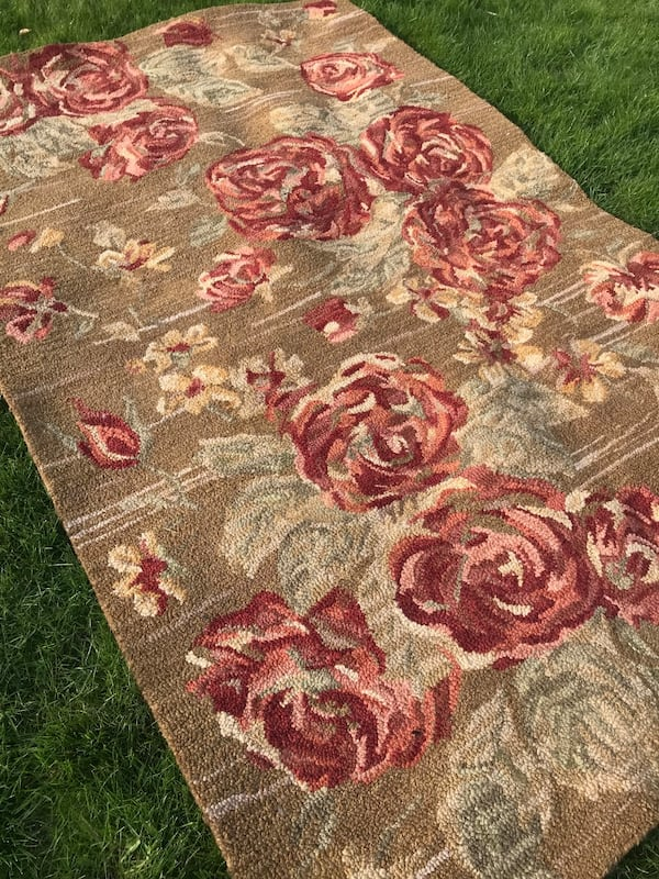 Pottery Barn Cabbage Rose Rug 5 X 8ft