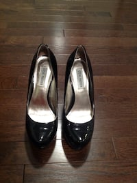 pair of black leather heeled shoes Elkridge, 21075