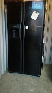 black side by side refrigerator with dispenser Knoxville, 37914