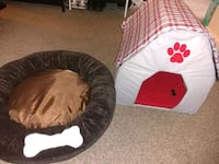 Dog bed and house Dover