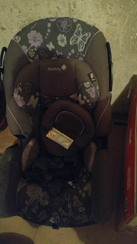 black and gray Safety convertible car seat
