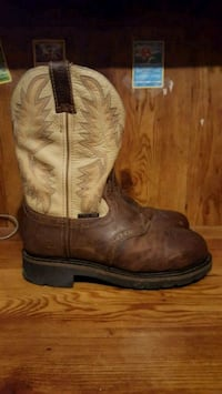 Size 8 EE Justin Steel Toe Boots