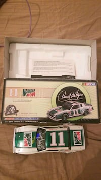 1:24 Scale stock car collectible