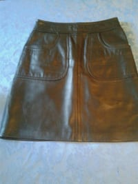 Daniel leather skirt size 2 Westmount, H3Y 2T5