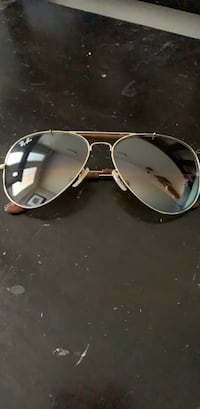 Slightly used ray bans (real) firm price Bowmanville, L1C 0E6