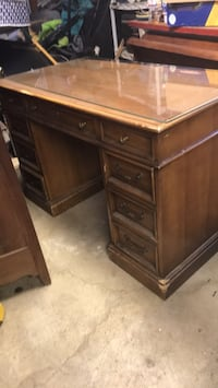 four foot wood desk Columbus, 43211