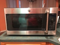 Stainless steel and black microwave oven Lakeland, 33809