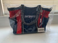Patriots purse. Never been opened. Bradford Exchange. Retails for 120-130.00 Fall River, 02720