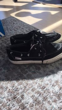 pair of black Vans low-top sneakers Vancouver, V6Z