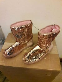2 Tone Glitter Boots Pittsburgh, 15233