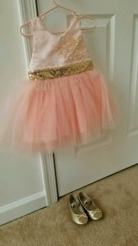 2t toddler girl dress with gold shoes 7.5 size Manassas, 20110