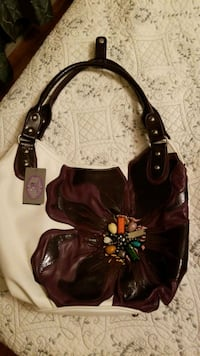 Designer leather handbag  Barrie, L4M 5S6