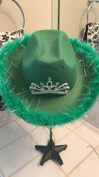 Green St Paddy's cowboy style hat
