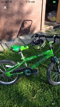 Boys BMX bike  suits 9 to 11 years old only one year old nothing wrong with ready to ride Hamilton, L8T 2R5