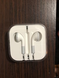 Classic iPod earbuds Mississauga, L5E 1B8
