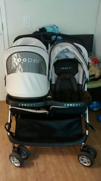 baby's black and white travel system Surrey, V3T 4A6