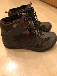 Boy's merrell  waterproof boots size 5.5 Arlington, 22202