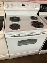 GE white electric coil range stove  Woodbridge, 22191
