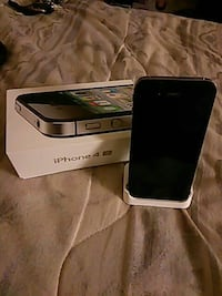 I phone 4s 64 gig .. Good condition.. With chargin