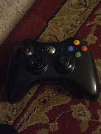 Xbox 360 With wireless remote controller with games 37 km