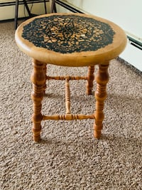 Wooden stool Mounds View, 55112