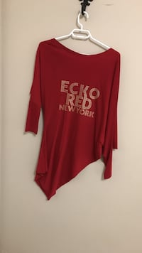 red ecko red new york printed scoop off shoulder long-sleeved blouse