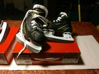 CCM hockey skates (YOUTH) SIZE 6J Bow, 03304