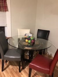 round glass top table with four chairs dining set Ronkonkoma, 11779