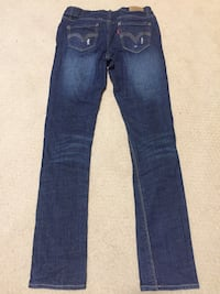 Levi jeans with a adjustable wait size 12 null, V9R 6X1