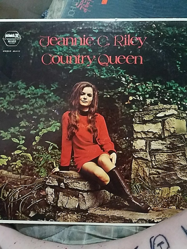 Jeanie C. Riley Country Queen photo