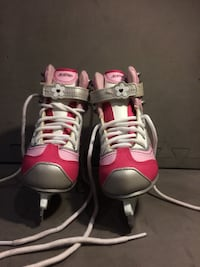 NEGOTIABLE Ccm skates never been used 11j Châteauguay, J6R 2H7