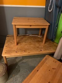 Wood coffee table and one end table Macungie, 18062