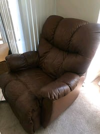 Leather Recliner in a very good condition Los Angeles, 90012
