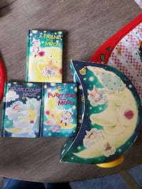 3sets of moon books comes with a musical stand
