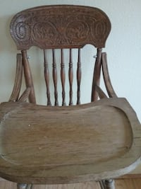 Wooden doll high chair null