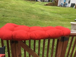 Red bench cushion - like new!