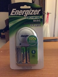 Energizer Charger with Batteries (AA)