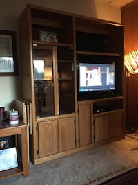 Beautiful Oak cabinet 2296 mi