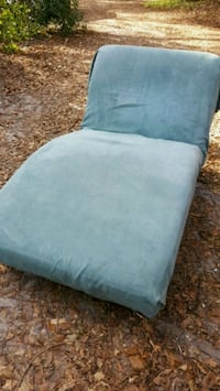 Chaise. Local delivery available! REDUCED! Wilmington, 28403