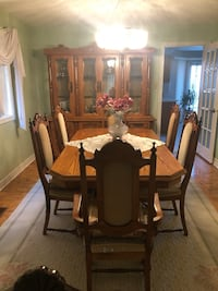 Dining room table, chairs and buffet hutch Vaughan, L4L 7S9