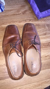 Size 9.5 dress shoes brown Bothell, 98011