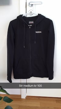 svart zip-up hettegenser 6012 km