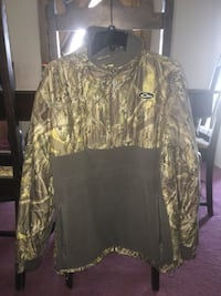 Grey and green 2-pocket realtree printed jacket