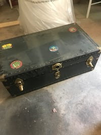 Old army/navy foot locker trunk $35 Sewell, 08080
