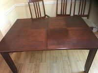 Rectangular brown wooden coffee table Germantown, 20876