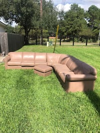 Large leather couch w/foldout bed + ottoman Katy, 77450