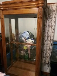 Lockable glass case with shelves and lighting Rosedale, 21237