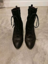 Leather dark brown ankle boots Montréal, H2R 2J6